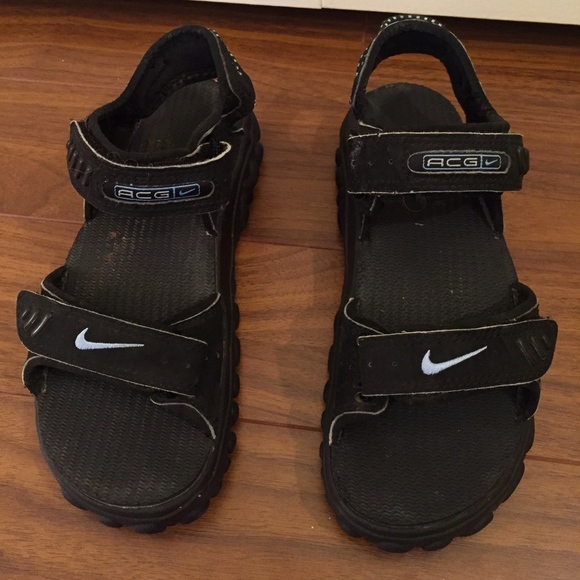 super popular 347c7 ca221 Nike ACG black hiking sandal SZ 5